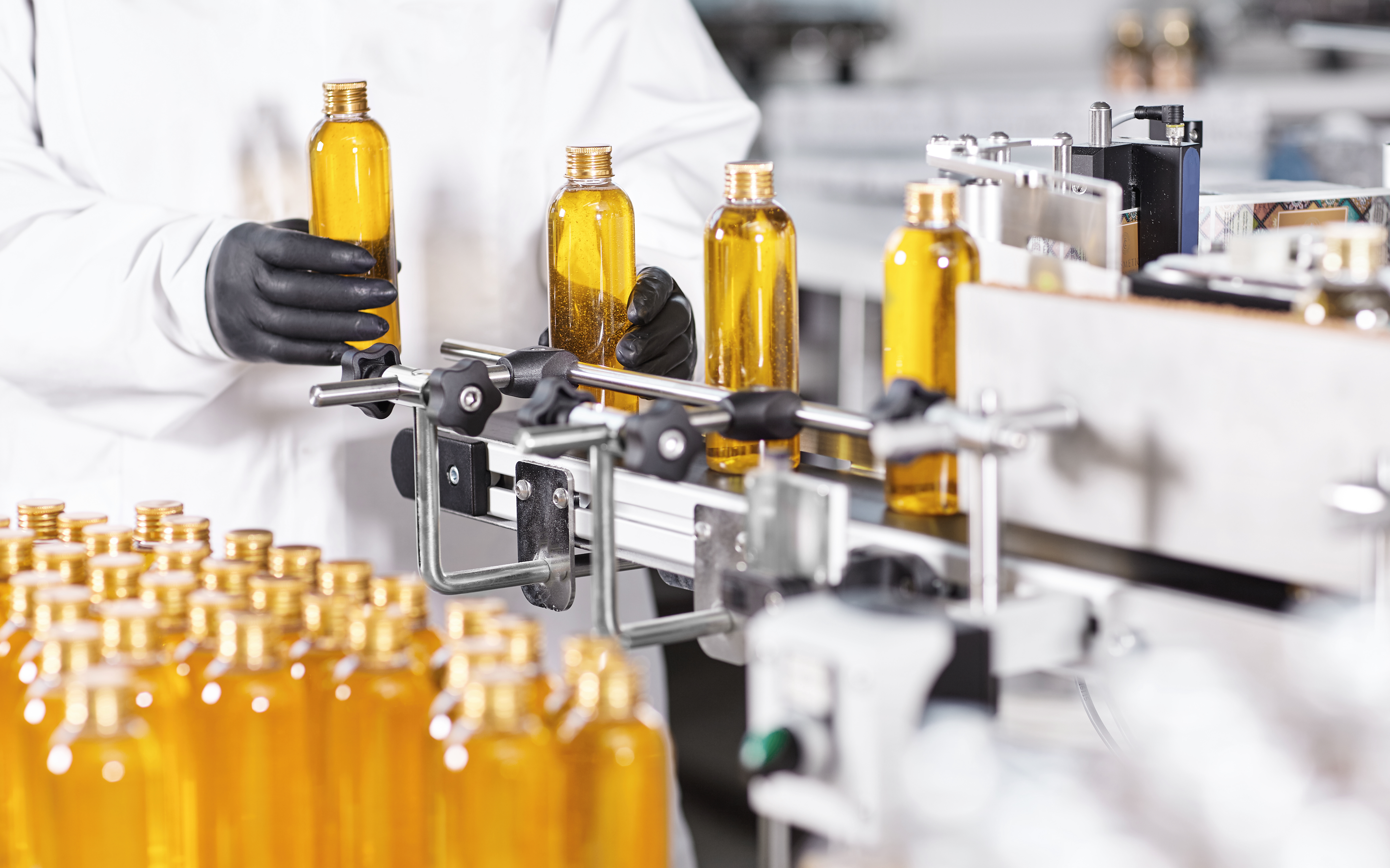 Private Label vs. Contract Manufacturing